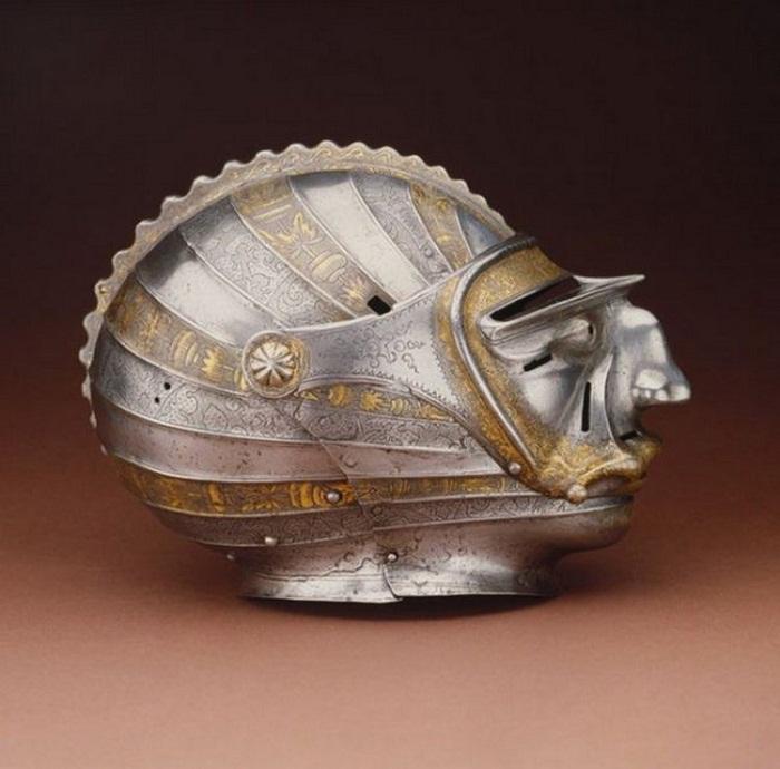 Шлем-маска 1515 г. Кольман Хельсшмидт. Вес 2146 г.