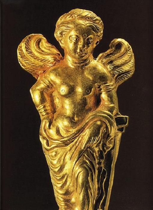 Кушанская Афродита с крыльями