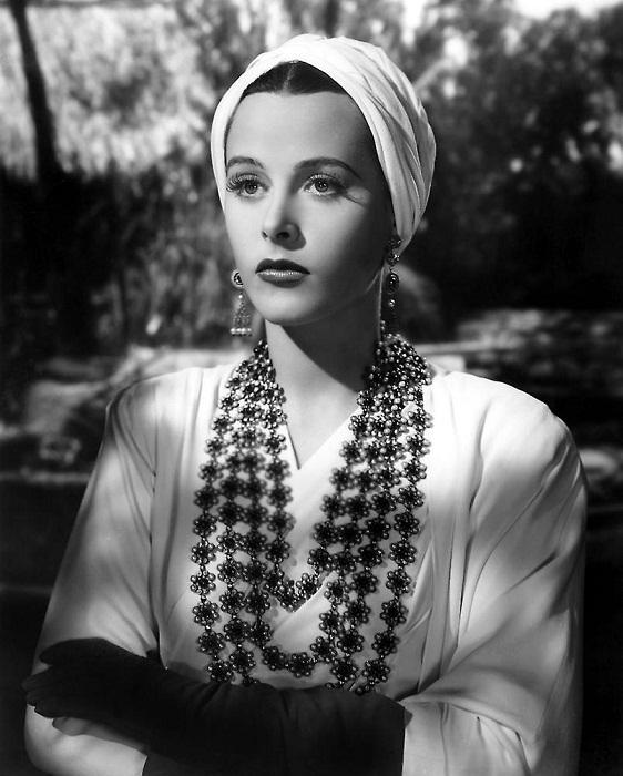 """Хеди Ламарр в ожерелье от Джозефа. """"Lady of the Tropics""""(1939)"""