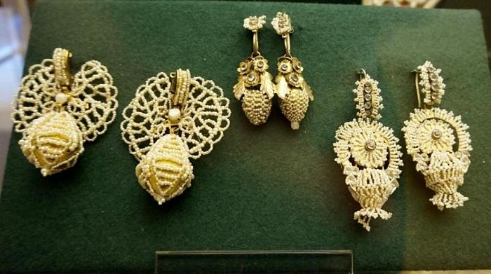 Серьги из речного жемчуга 18-19 век Руский музей, СПб.