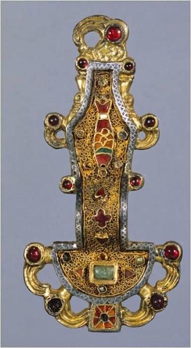 Меровингская фибула VI-VII век