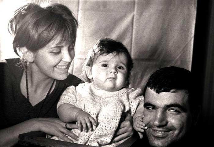 Геннадий Шпаликов, его вторая жена Инна Гулая и дочка Даша