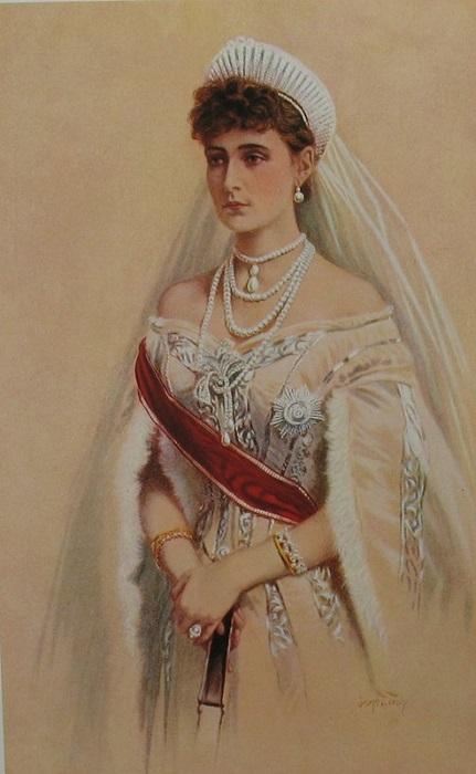 Молодая императрица Александра Федоровна в русской тиаре