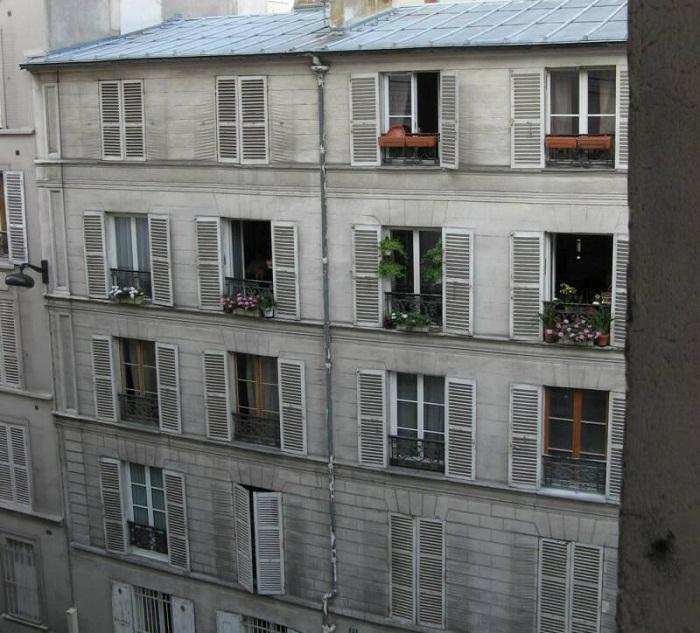 Улица Лепик, 54. Здесь Ван Гог жил у своего брата Тео(1886-1888)