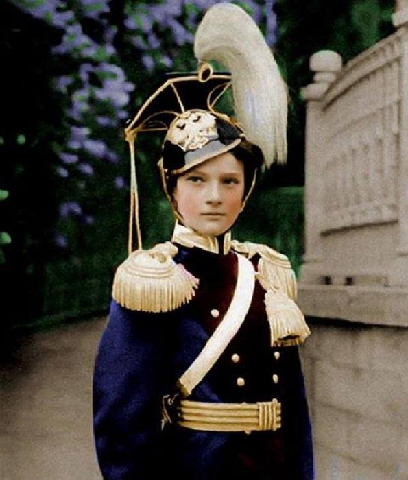 • Великая княжна Татьяна Николаевна, вторая дочь императора Николая II<br>Шеф 8-го уланского Вознесенского полка (с 1911 по 1917 гг)<br>