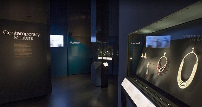 Музей Виктории и Альберта Лондон. 21 ноября 2015 - 10 апреля 2016