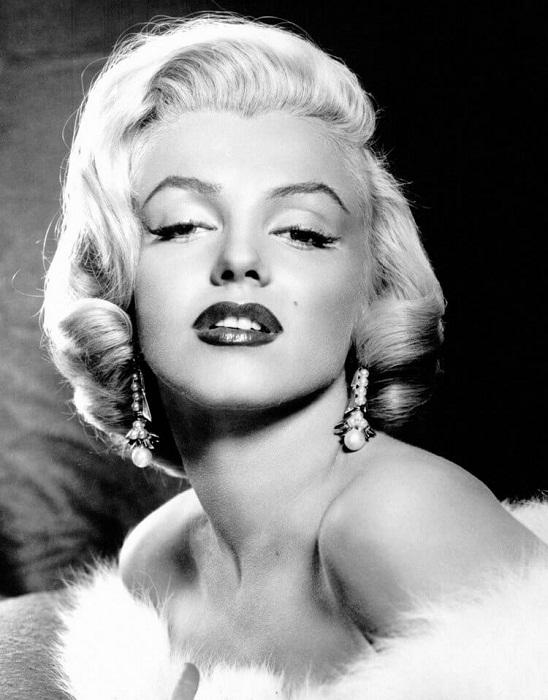 "Мерлин Монро в серьгах от Джозефа. ""Gentlemen Prefer Blondes""(1953)"