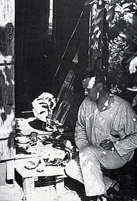 За кормлением индюшек. Констанинополь, 1921 год.