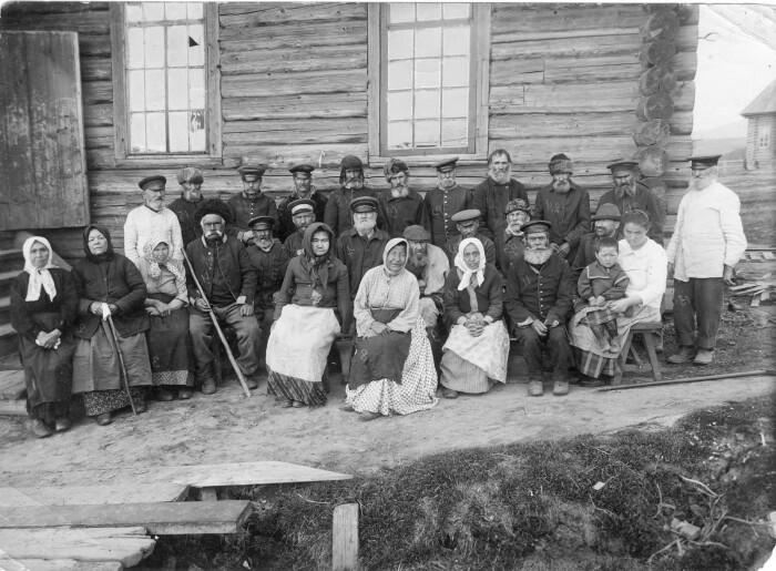 Жители Сахалина, 1890-й. /Фото: live.staticflickr.com