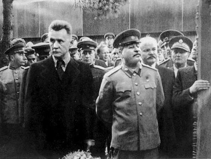 Сталин раскрыл талант Косыгина. /Фото: i.pinimg.com