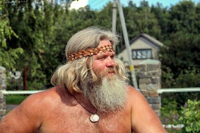 Мужчины носили длинные волосы и окладистые бороды. /Фото: 2planeta.ru