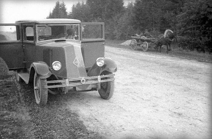 Первый автомобиль  марки «Рено» появился в СССР у Маяковского. /Фото: 4r.ru