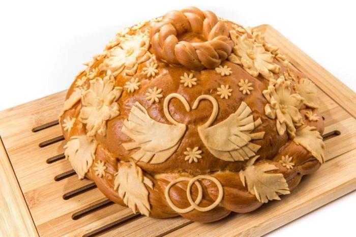 В свадебный пирог клали начинку из ртути. /Фото: oneloveweddingexperience.com