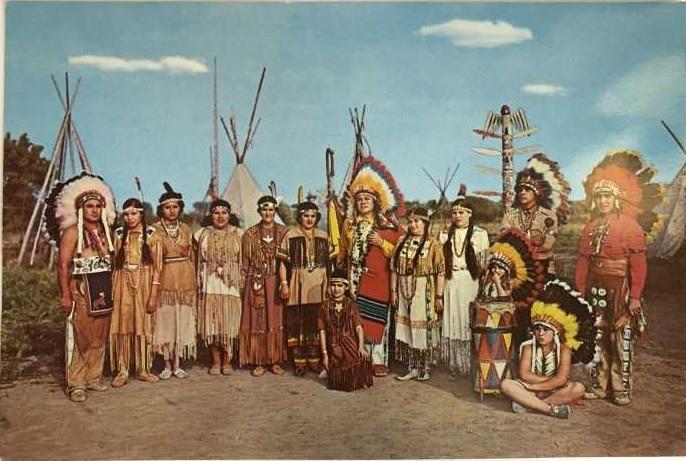 «Пронзающий Огонь» в собственном племени. /Фото: rusbuk.ru