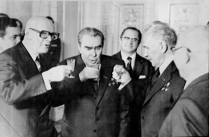 Косыгин пользовался расположением Брежнева. /Фото: img.ilcdn.fi