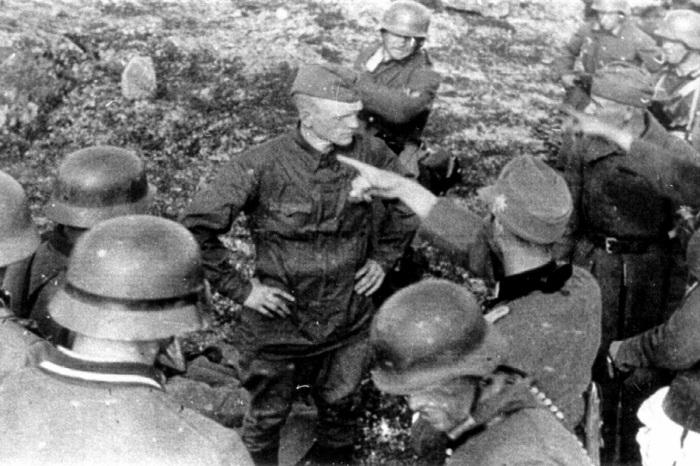 Гордый русский солдат перед расстрелом на заполярной высоте. /Фото: polzam.ru