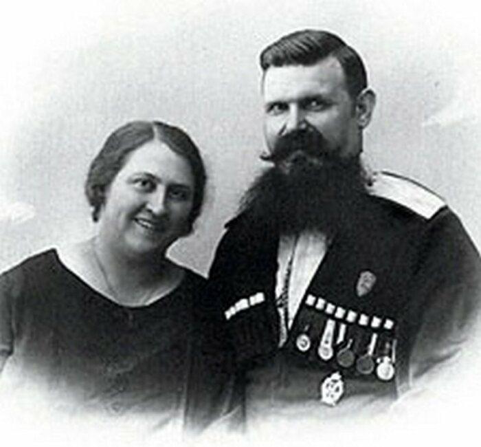 Тимофей с первой супругой. /Фото: fs3.fotoload.ru
