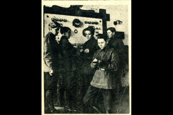 Барышни-курсантки Киевской военной школы связи. Конец 1920-х годов./Фото: cdnimg.rg.ru