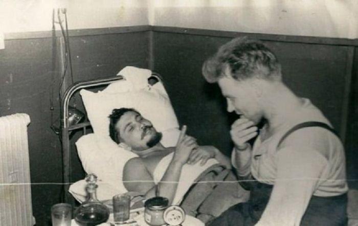 Рогозов после операции. /Фото: asset-a.grid.id