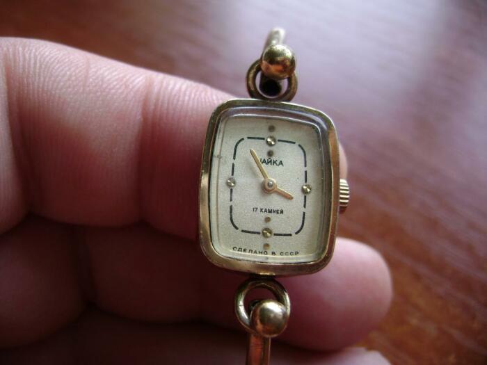 Часики «Чайка» были почти у каждой советской женщины. /Фото: newauctionstatic.com.ua