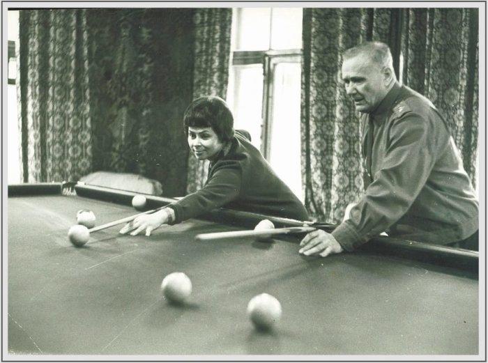 Маршал СССР Андрей Еременко в свободное время предпочитал бильярд. /Фото: klops.ru