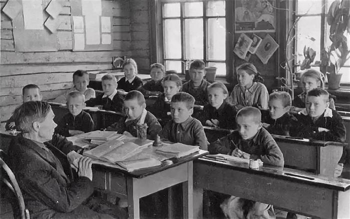 Школа в 20-е годы. /Фото: yandex-images.clstorage.net
