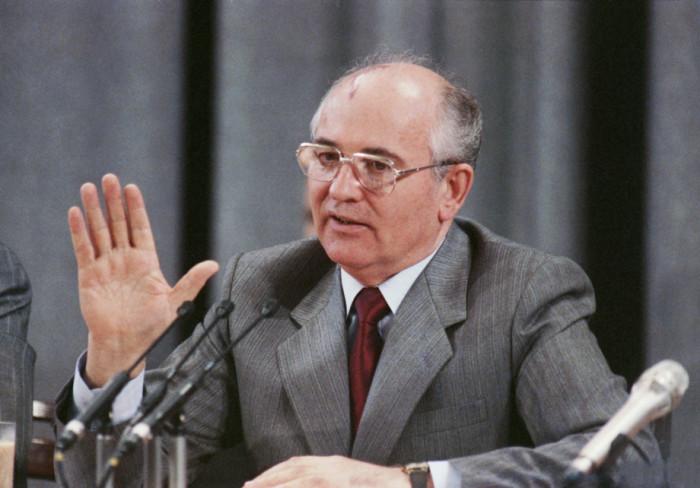 Михаил Горбачёв вынужден был отправить в Сомали 250 тыс. дол. – такая цена свободы русских моряков с траулера «Кафф»./Фото: imgtest.mir24.tv