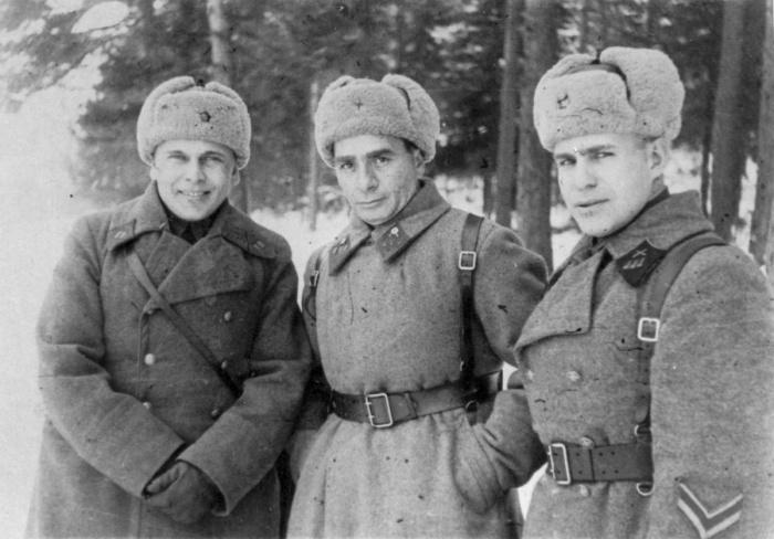 Зимнее обмундирование Красной армии: присутствует ушанка. /Фото: broneboy.ru