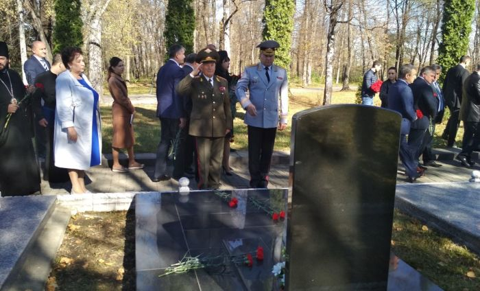 «Аллея Славы» во Владикавказе, где похоронены погибшие осенью 1992 года./Фото: kpmk.alania.gov.ru