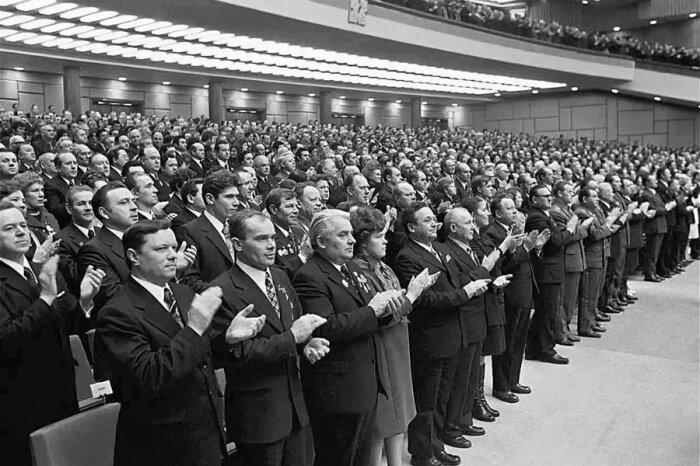 Чиновники получали блага согласно должностям. /Фото: historic-journal.ru