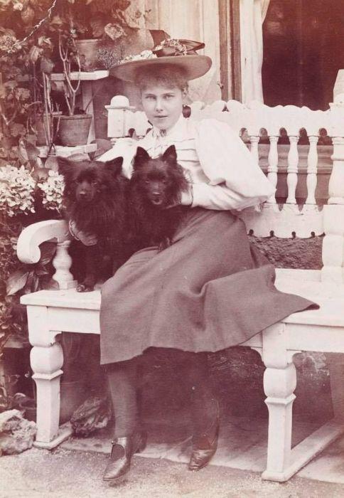 Беатриса Саксен-Кобург-Готская, принцесса Эдинбургская. /Фото: i2.wp.com
