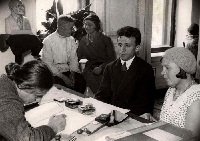 После революции свадьбы были чрезвычайно скромными. /Фото: telegra.ph