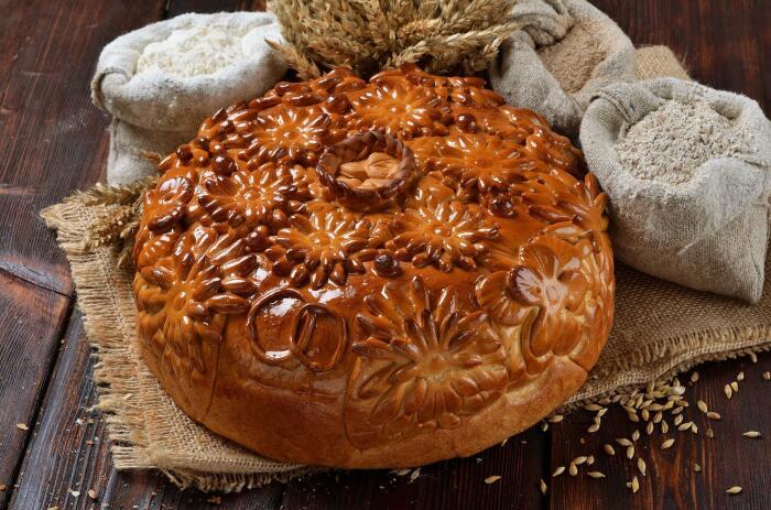 Непочатую воду добавляли в тесто для праздничной выпечки. /Фото: sun9-69.userapi.com