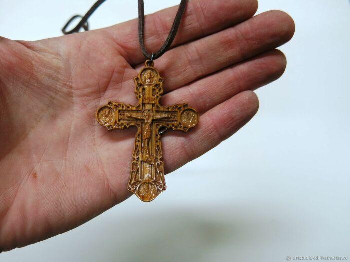 Нательные кресты передавались по наследству. /Фото: cs1.livemaster.ru