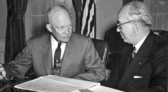 Дуайт Эйзенхауэр – президент США (1953-1961). /Фото: alternathistory.com