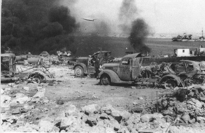 Отходя, немцы уничтожали все, что успевали. /Фото: qrim.org
