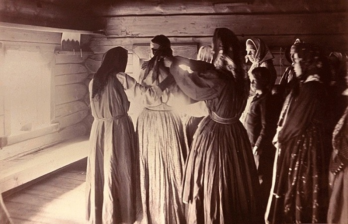 В баню невесту приводили подруги и родственницы. /Фото: a.radikal.ru