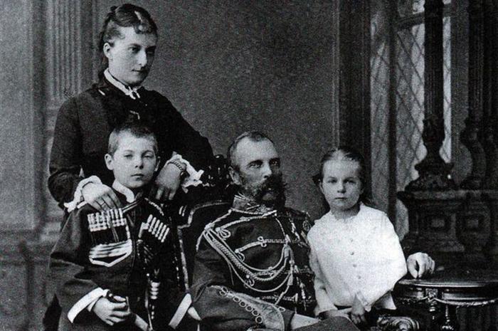 Екатерина родила от Александра II четырёх детей: Георгия, Ольгу, Бориса (умер в младенчестве) и Екатерину. /Фото: histrf.ru