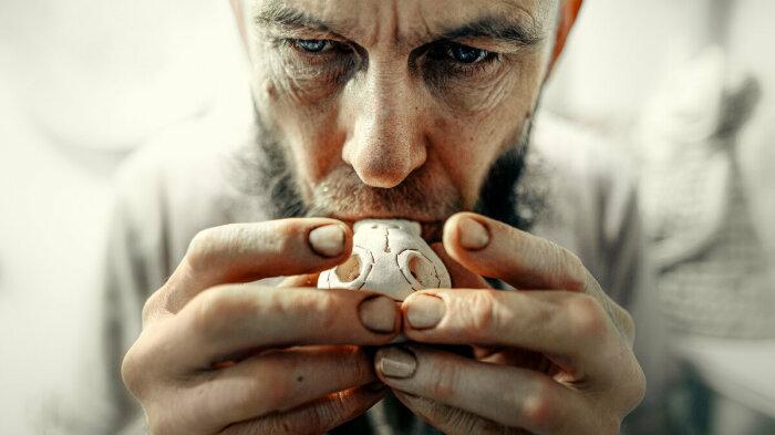 Отпугнуть душу умершего можно было  при помощи свистульки. /Фото: s1.fotokto.ru