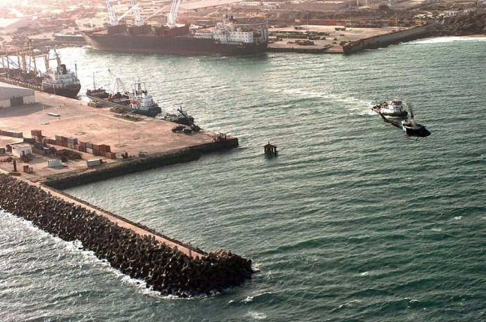 Могадишо – главный порт Сомали – был захвачен повстанческими войсками в 1990 году./Фото: maritime.bg