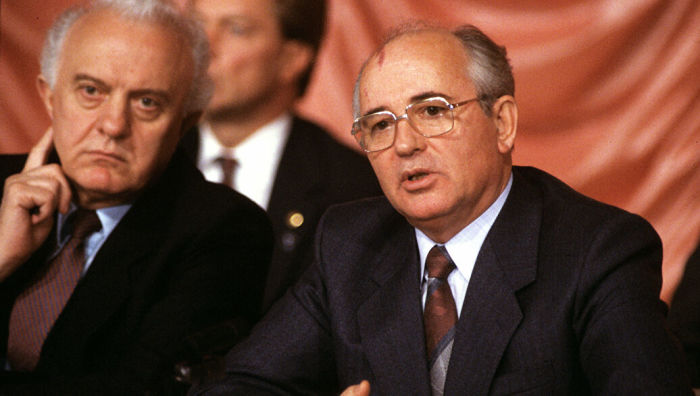 Михаил Горбачёв и Эдуард Шеварнадзе. /Фото: cdn22.img.ria.ru