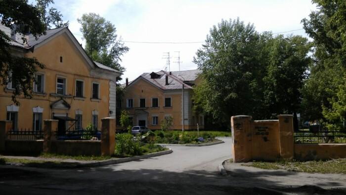 Дома на улице Богдана Хмельницкого в Новосибирске. /Фото: ic.pics.livejournal.com