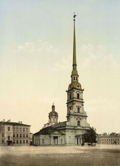 Петропавловский собор в конце XIX века./Фото: swnet.spb.ru