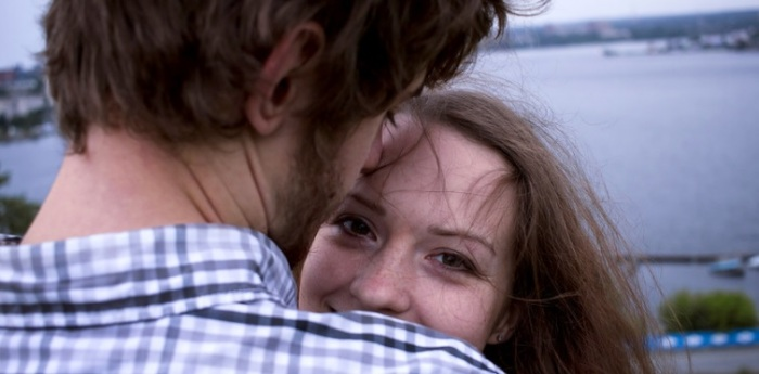 Русский муж заботлив и романтичен./Фото: img-s3.onedio.com