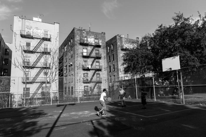 Дома, подобные  хрущевкам, есть и в США. /Фото: na-zapade.ru