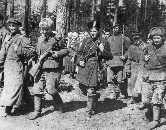 К группе «Резеды» присоединялись как местные жители, так и чехи, и поляки, мобилизованные в германские войска./Фото: pomnivoinu.ru