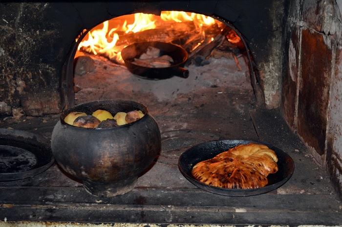 Мясо на Руси готовили двумя способами: варка и запекание в русской печи. /Фото: cdn.pixabay.com