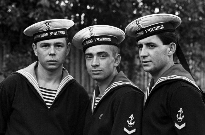 Спасенные ребята связали будущее с флотом. /Фото: pbs.twimg.com