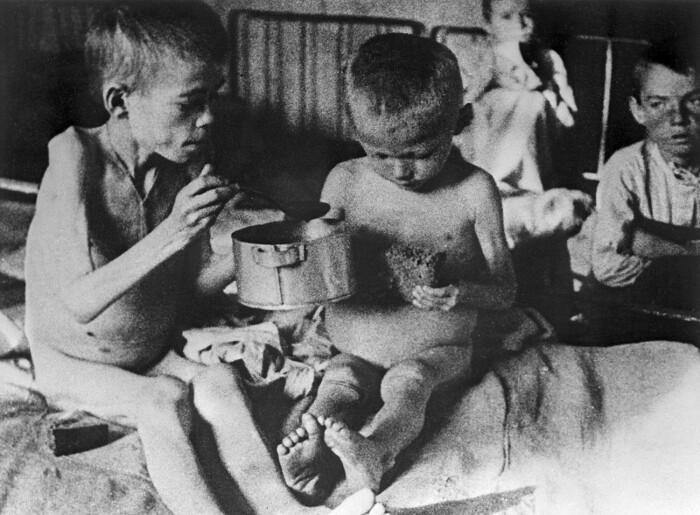 Во времена голода в Поволжье глину употребляли в пищу, чтобы выжить. /Фото: bigpicture.ru