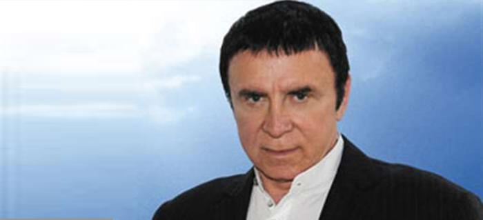 Люди верили Кашпировскому и ждали его  «Сеансов здоровья». /Фото: vipkassa.ru